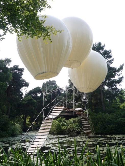 5578255-R3L8T8D-600-Balloons-2