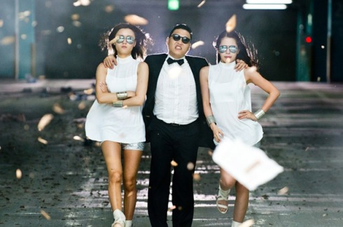 2456259-psy-ladies-gangnam-style-617-409